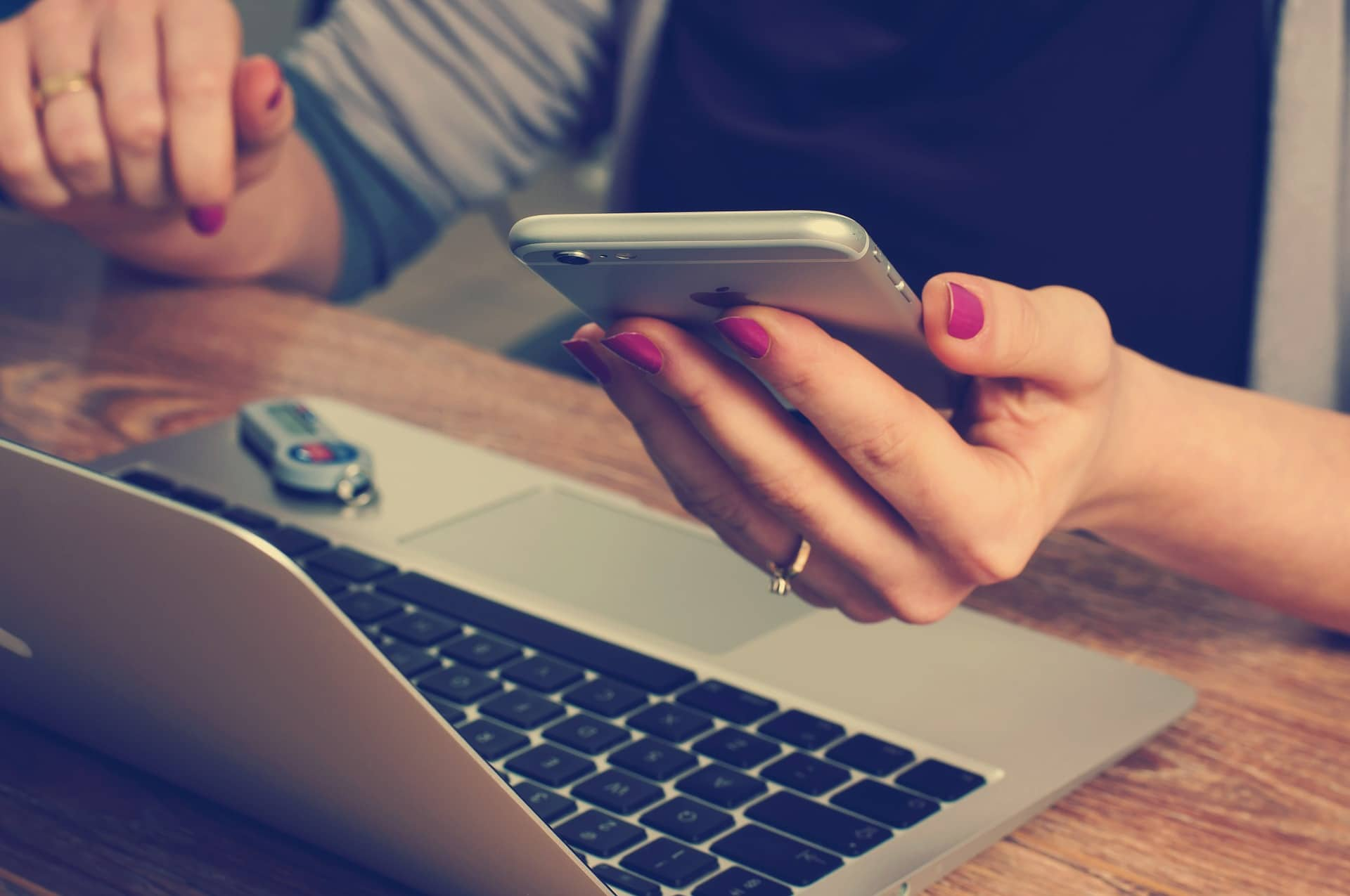 4 Ways to Simplify Mobile Law Firm Contact Forms to Boost Engagement